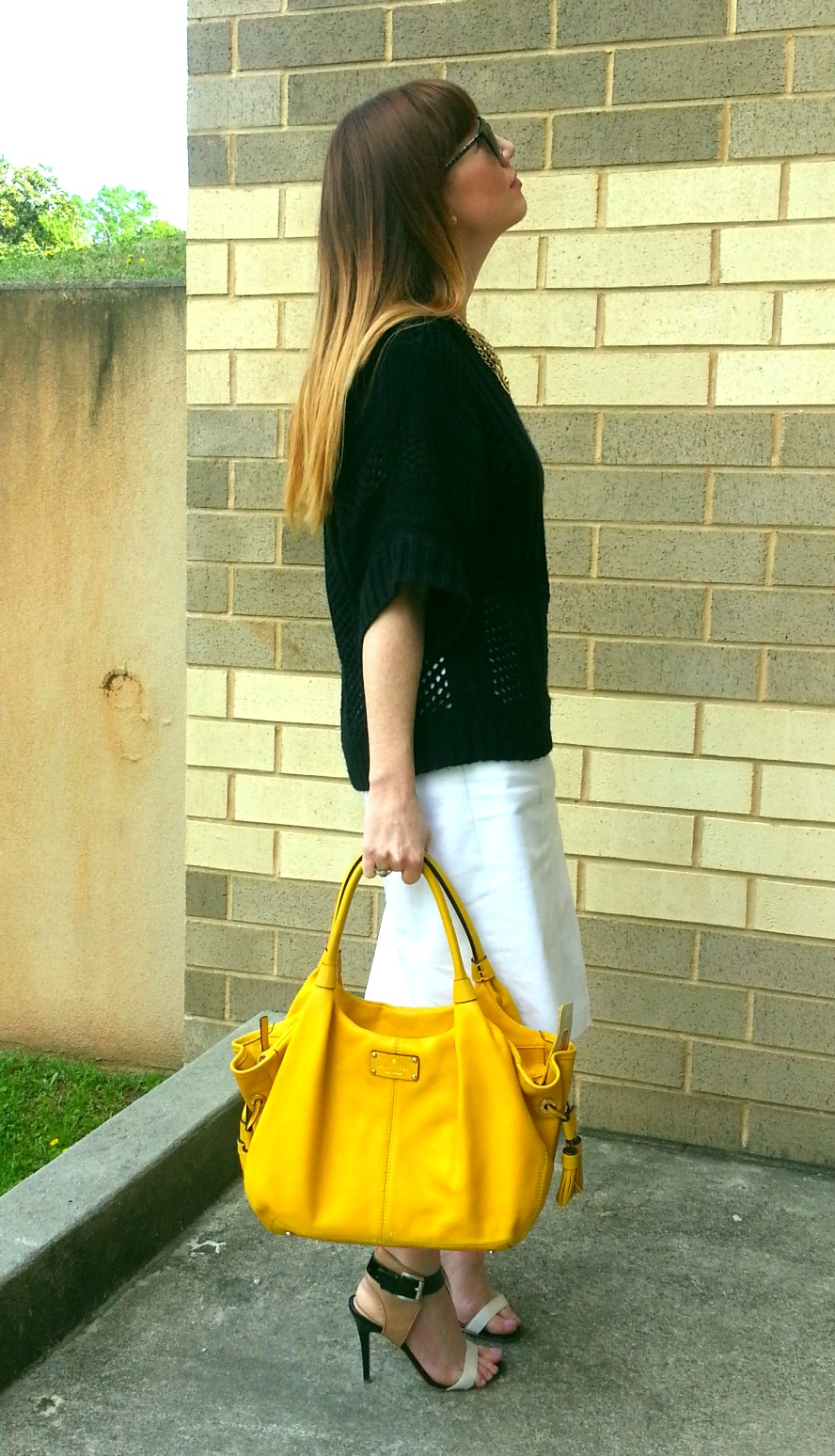 Yellow purse – say no to bright color purchase