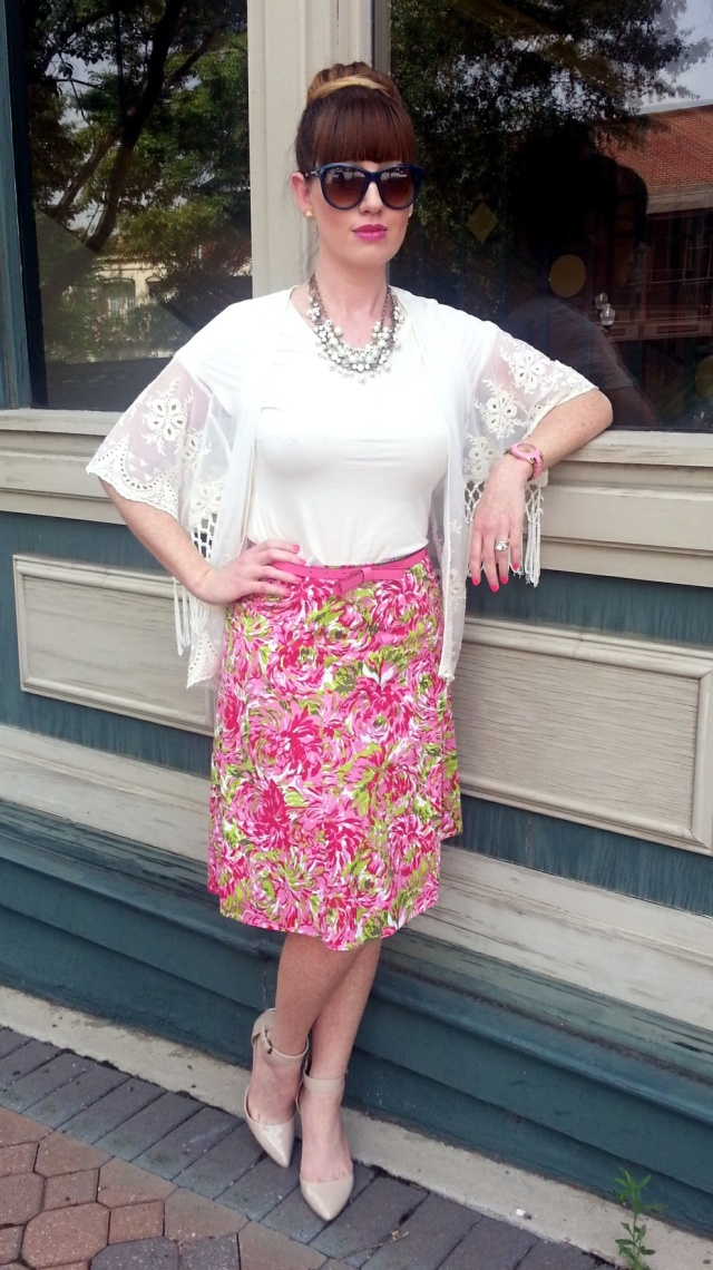 Kimono:Monteau Skirt: AMI Top: Banana Republic Belt/Earrings: Kate Spade Neckalaces: JCREW Shoes:MIA Sunnies: Franco Sarto