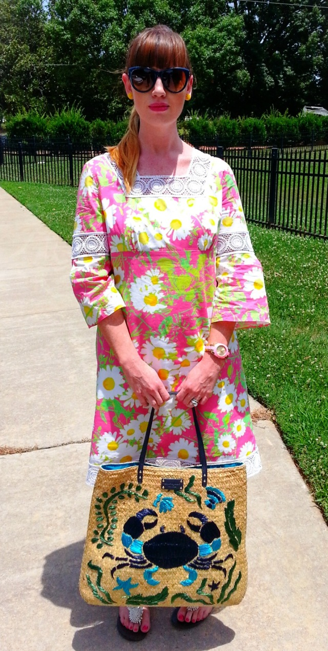 Dress: Lilly Pulitzer Shoes: Dexter Bag: Kate Spade Sunnies: Franco Sarto Earrings: Bealles Watch: Kate Spade