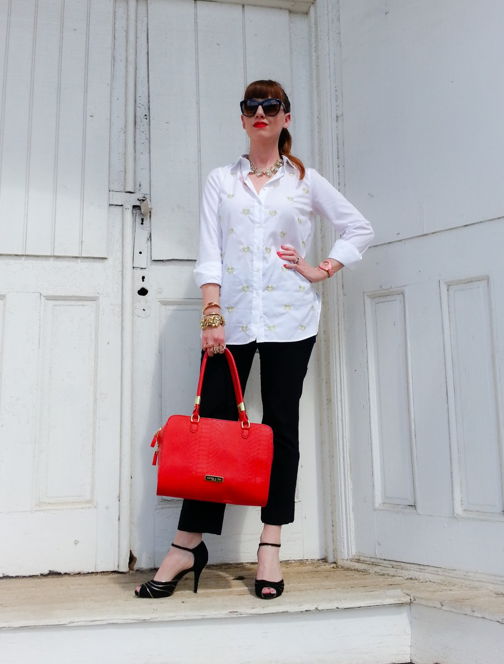 Shirt: JCREW Pants: Limited Bag: Olivia+Joy Shoes: Jessica Simpson Sunnies: Franco Sarto Lips: Stila Beso